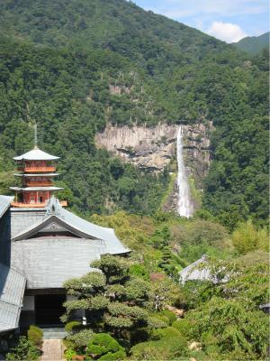 那智大滝と三重塔